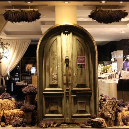 O vitrina cu parfum de Provence