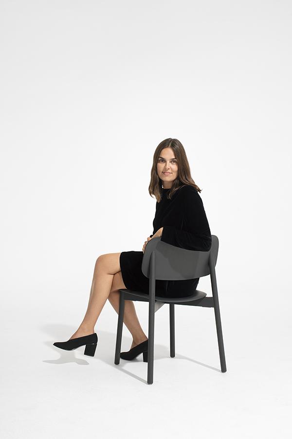mette_hay_soft_edge_chair_cos_musical-chairs-proiect-design-vestimentar-si-design-de-produs