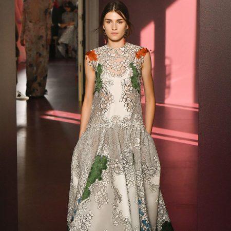 Rochii haute couture. De pe catwalk pe covorul rosu.