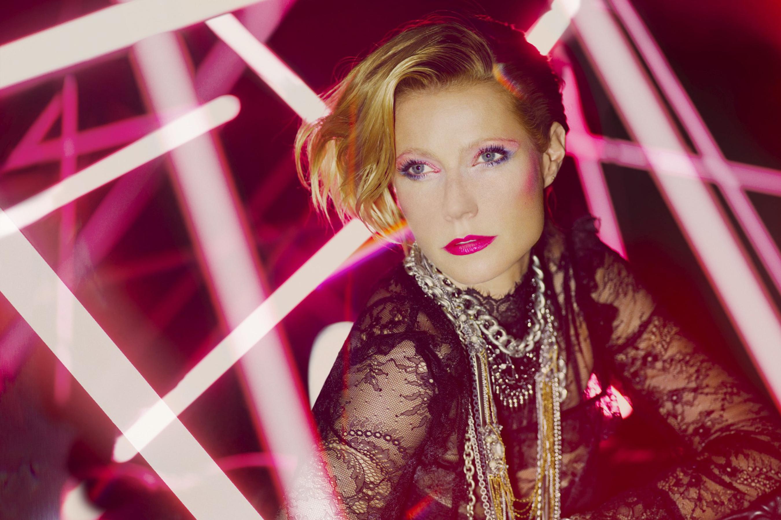 Gwyneth Paltrow, in rolul a 4 style-iconuri pentru MaxFactor