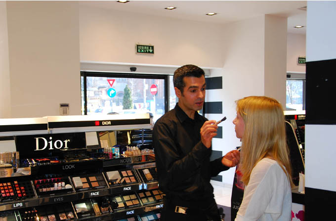 Lectia de makeup cu Alex Chatti