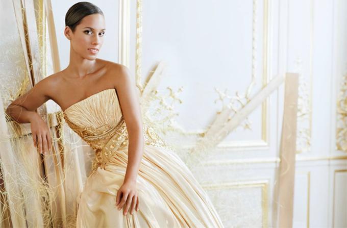 Alicia Keys, imaginea Dahlia Divin de la Givenchy