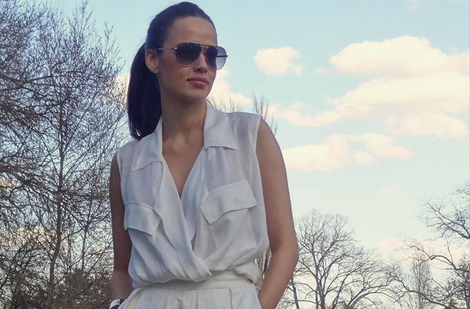Andreea Raicu poarta tinute All White