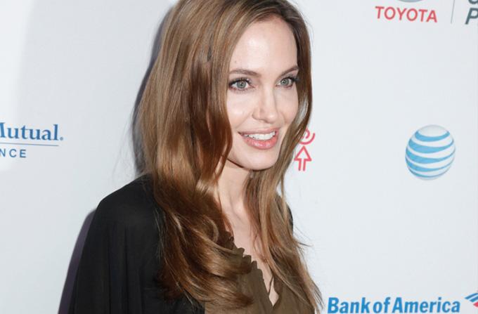 Angelina Jolie despre alegerea ei de a face o dubla mastectomie