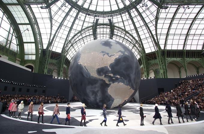 Chanel aw 2013/14 @ Paris Fashion Week
