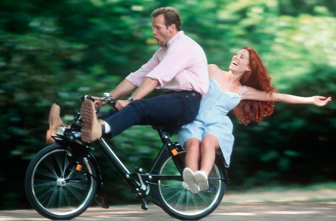 Mergem doi pe-o bicicleta pe 30 septembrie