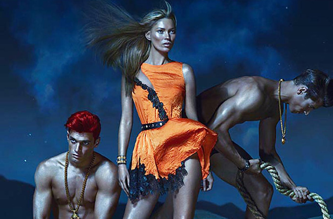 Kate Moss, Daria Werbowy si Joan Smalls pentru Versace