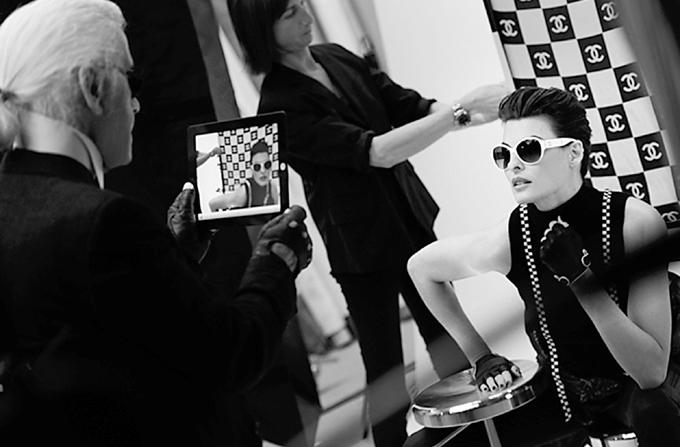 Linda Evangelista la sedinta foto pentru Chanel Eyewear ss 2012