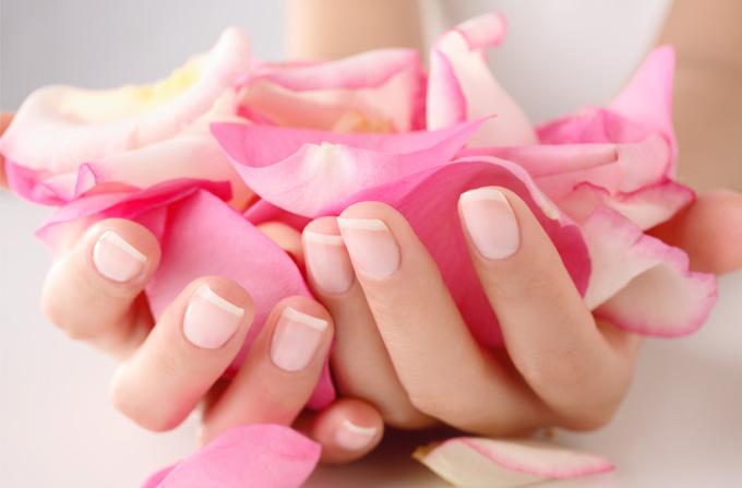 Beauty News: Expertul in ingrijirea unghiilor