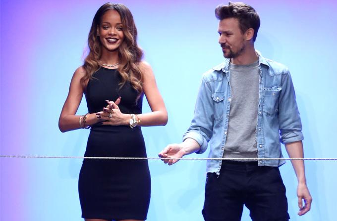 Rihanna a debutat ca designer