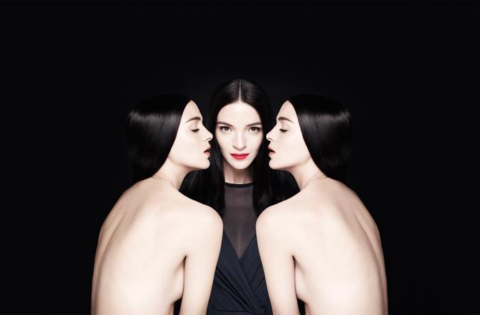 Mariacarla Boscono, imaginea  Le Rouge Givenchy