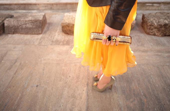 Victoria Online, high fashion la un click distanta