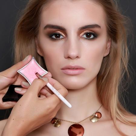 Bronze Eye Makeup Look
