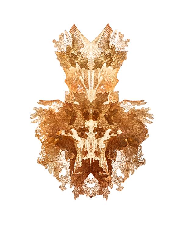 expozitie-iris-van-herpen_transforming-fashion_tehnologie-si-inovatie-in-moda