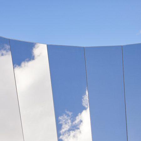 Open Sky. O instalatie care aduce mai aproape cerul.
