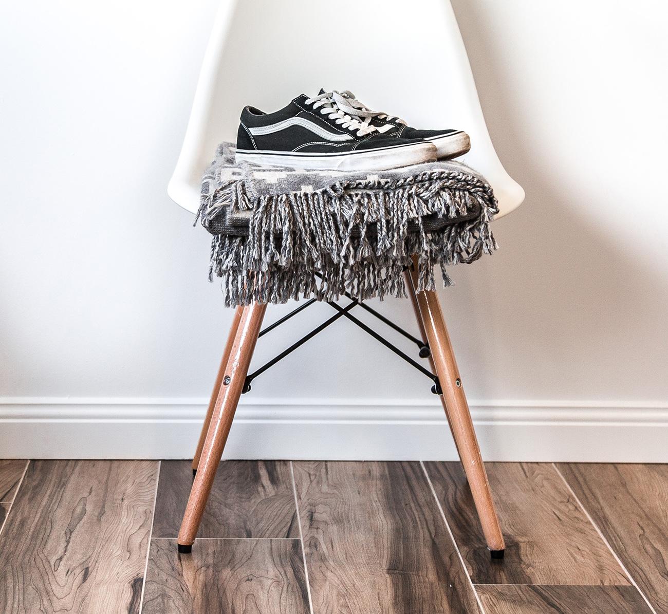 Ai pantofi buni, pe care nu-i mai porti? Da-i mai departe!