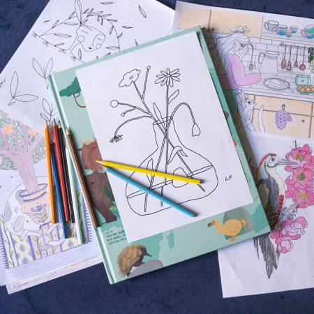 Ilustratii desenate de artiste, colorate de tine