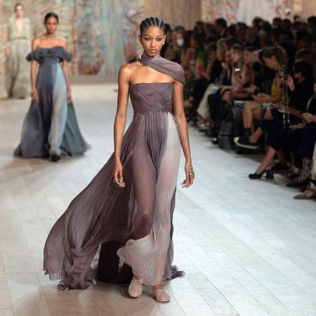 Rochii Couture FW'21. De pe catwalk pe covorul rosu.